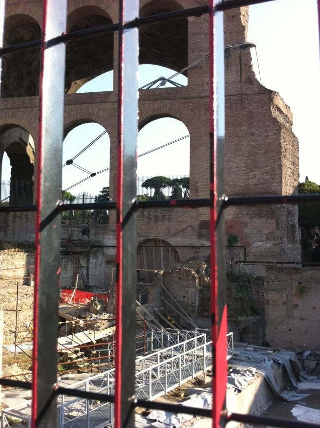 ROMA ARCHEOLOGICA & RESTAURO ARCHITETTURA: I FORI IMPERIALI - Gli scavi nel Foro della Pace, Zona A (08|2013).