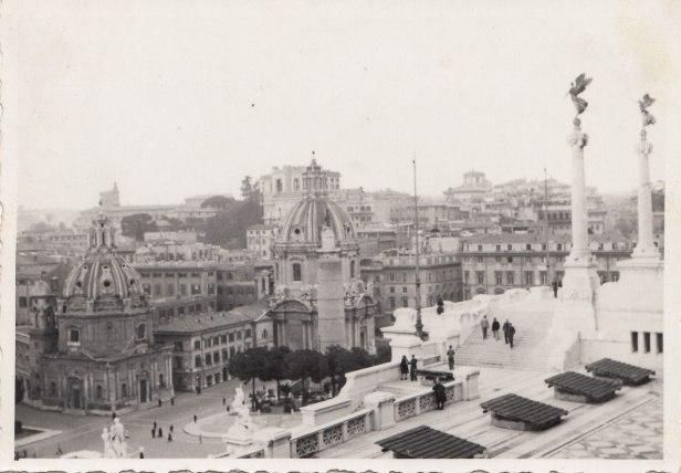ROMA ARCHEOLOGICA & RESTAURO ARCHITETTURA: ROMA - 'IL FORO ROMANO & I FORI IMPERIALI' - Fine del 1944 all'inizio del 1945 |